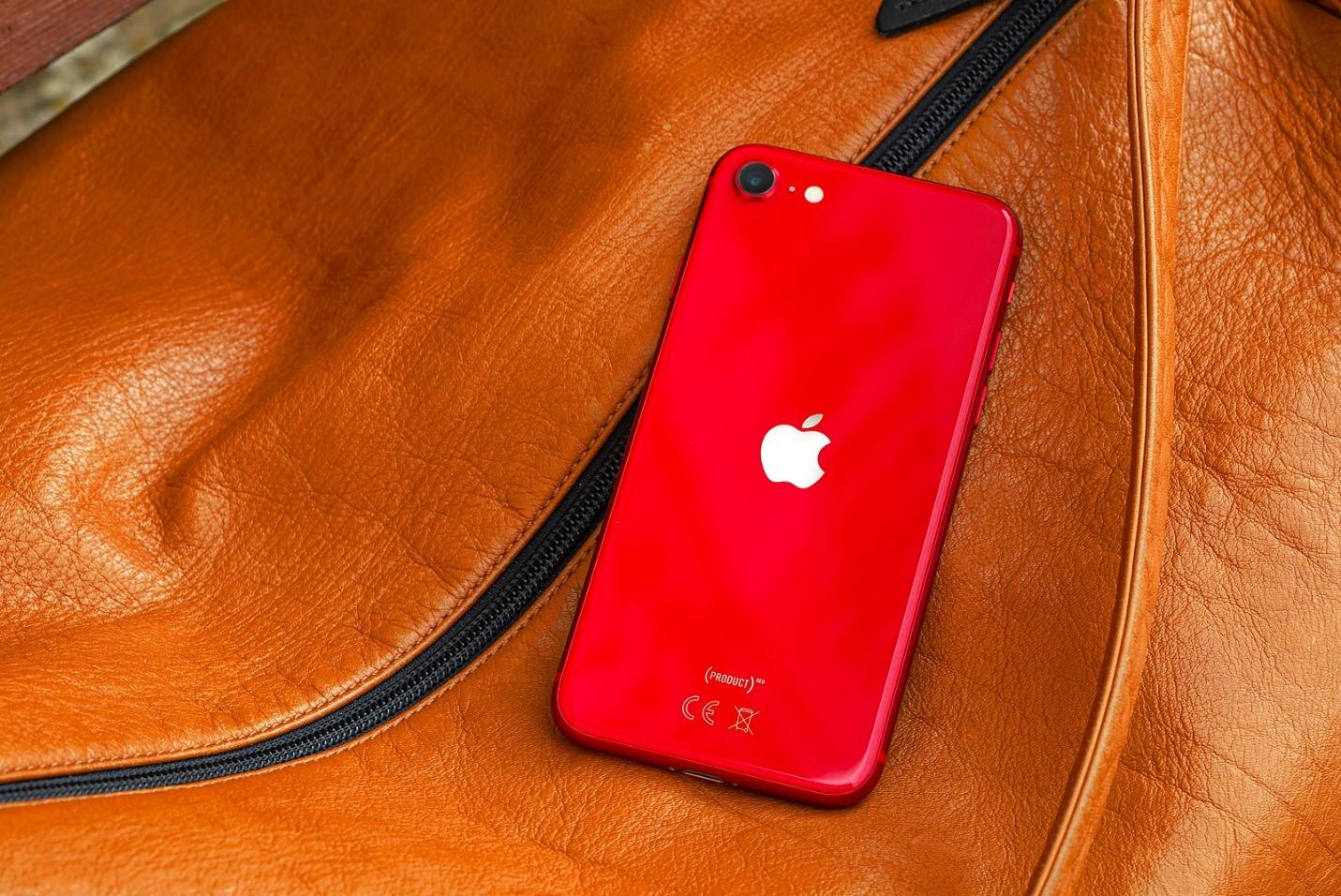 IPhone SE 2020 8